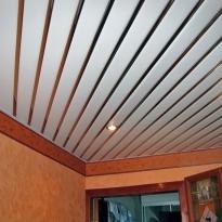 реечный подвесной потолок